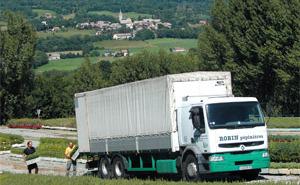 Loading Renault 26 tons in nurseries in Saint Laurent du Cros